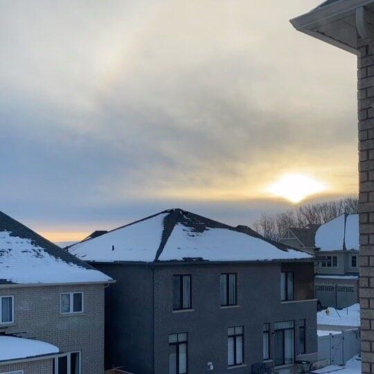 Good morning! 🌅🌞☕️   . . . . . #sunrise #eastgwillimbury #sunrisetime #townofnewmarket #newmarketontario #hollandlanding #sunrisetimelapse #breakofdawn #viewsfordays #viewsfromthetop #sunriseoftheday #sundaymornings #yorkregion #canadalife #canadalife🇨🇦 #canadianbusiness #yorkregionrealestate #yorkregionhomes #yorkregionbusiness #newmarketbusiness #newmarket #eastgwillimburyrealestate #eastgwillimburybusiness #mynewmarket #naturelover #sunsalutation #sunsalutations #serene #serenebeauty #peacefulmoments